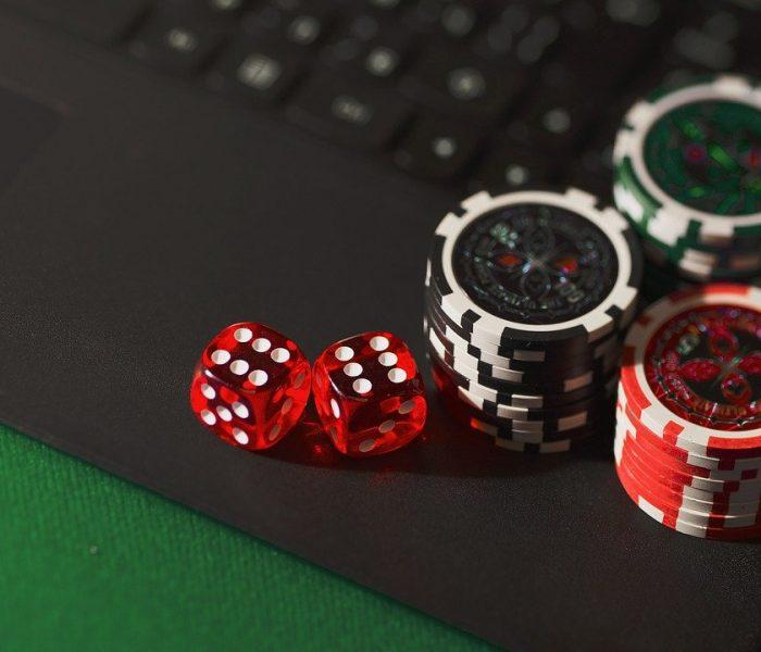 Arvostelut Dice Poker Chipsistä